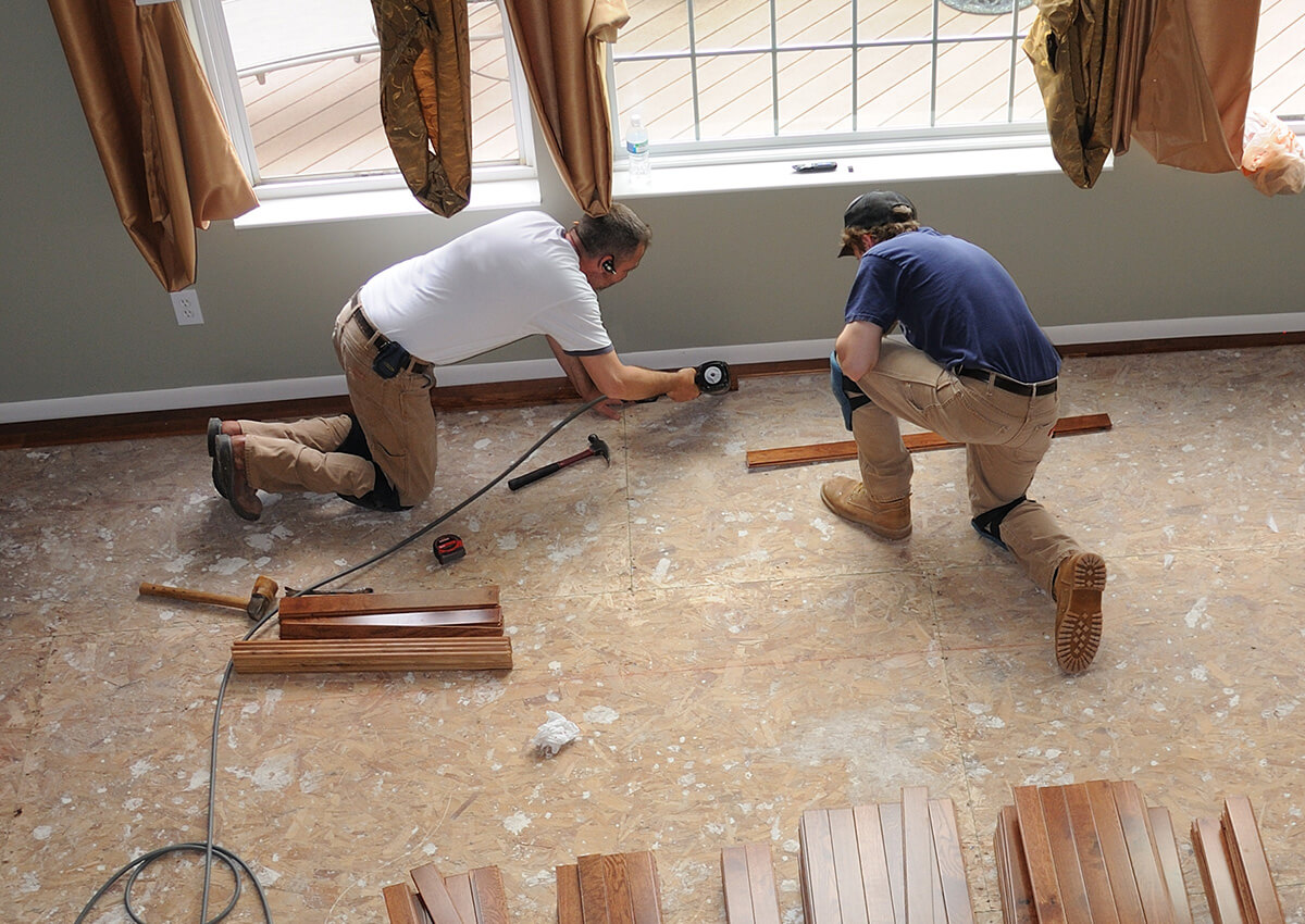 http://renowise.bold-themes.com/flooring/wp-content/uploads/sites/7/2018/10/inner_professionals_01.jpg