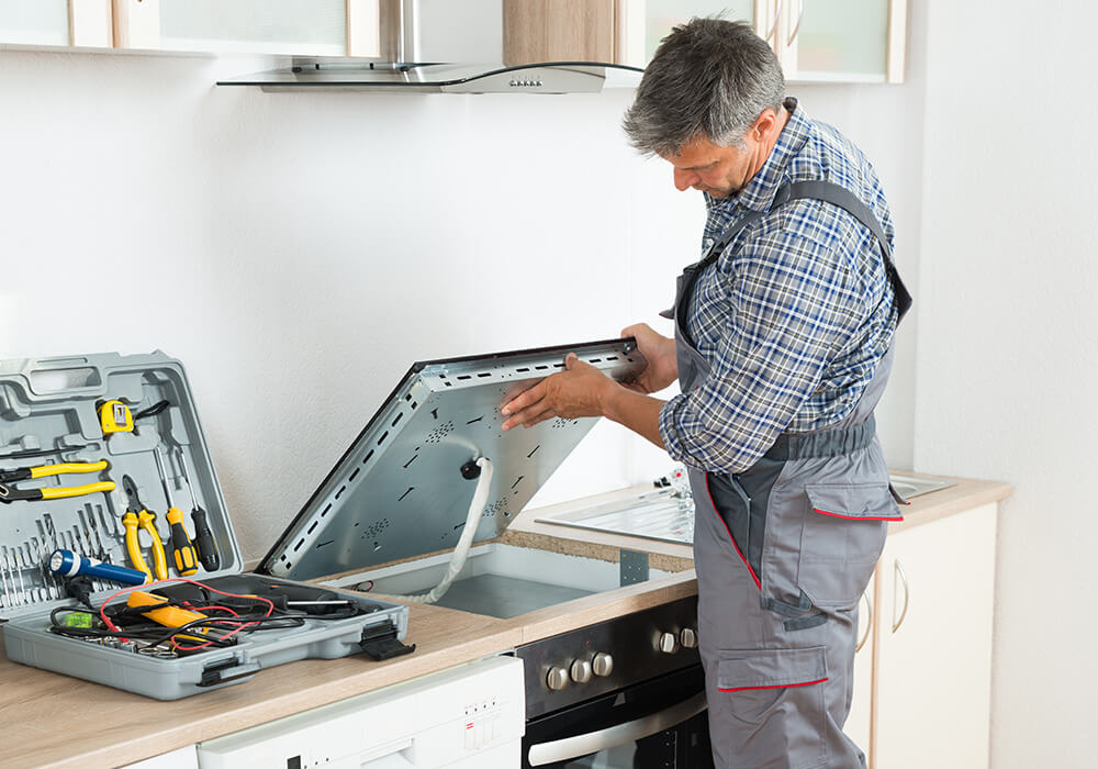 https://renowise.bold-themes.com/handyman/wp-content/uploads/sites/2/2018/10/inner_group_04.jpg